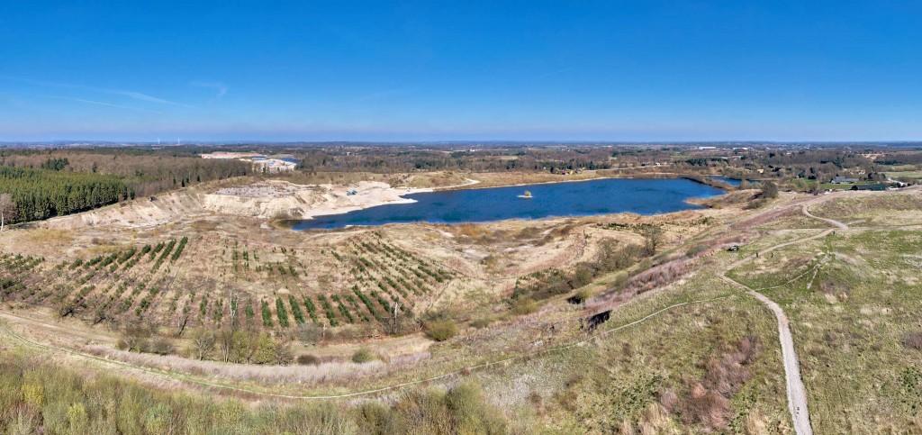dronographica aerial imaging lyng grusgrav sø luftbilleder drone droner dronebilleder droneoptagelse natur