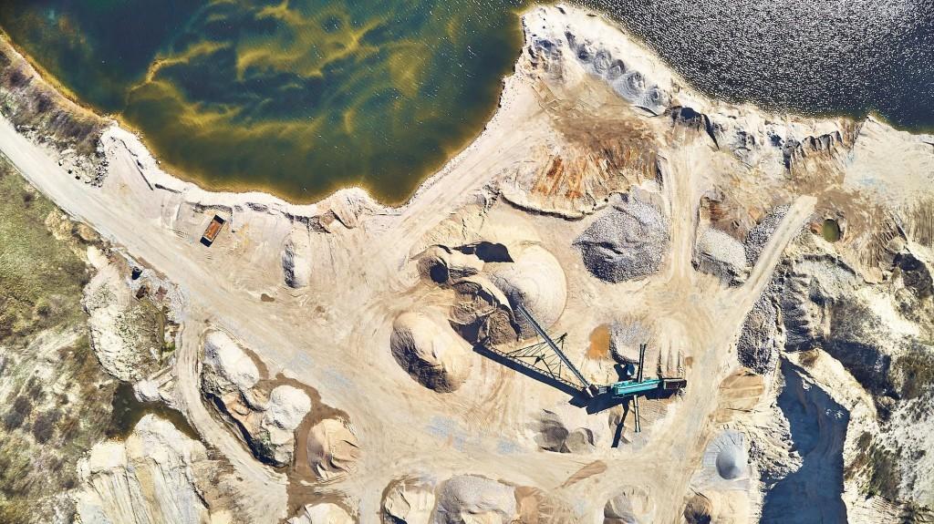 dronographica aerial imaging gravel pit grusgrav luftbilleder drone droner bunker