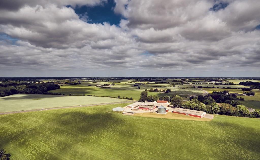 dronographica aerial imaging farm landbrug gård mark skyer drone droner dronebilleder droneoptagelse natur